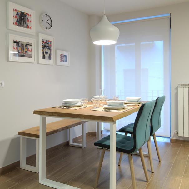 Apartamento Estella-Lizarra I detalle mesa comedor general