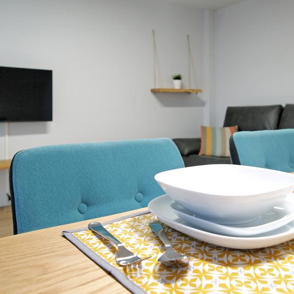 Apartamento Estella-Lizarra I detalle mesa comedor